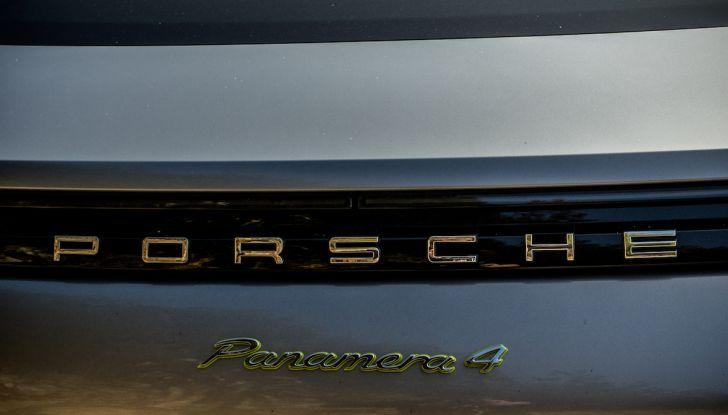 Prova su strada Porsche Panamera 4 E-Hybrid: spettacolo d'elite con la seconda serie - Foto 6 di 34