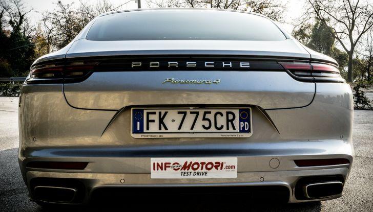 Prova su strada Porsche Panamera 4 E-Hybrid: spettacolo d'elite con la seconda serie - Foto 8 di 34