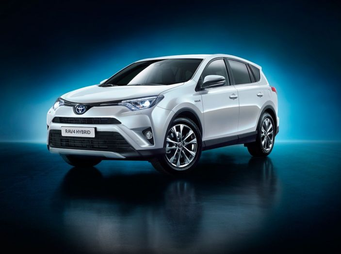 Promozioni SUV Toyota: fino a 7.000€ di sconto su C-HR e RAV4 Hybrid - Foto 2 di 8
