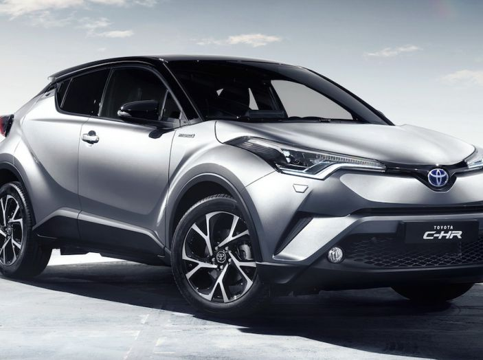 Promozioni SUV Toyota: fino a 7.000€ di sconto su C-HR e RAV4 Hybrid - Foto 8 di 8