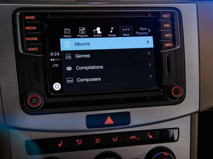 Siete avvisati: la pubblicità arriva sui sistemi di infotainment delle auto - Foto 2 di 9