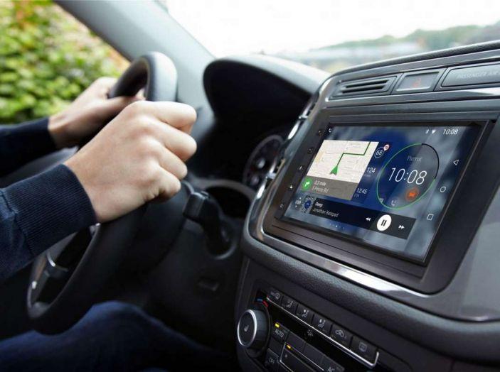 Siete avvisati: la pubblicità arriva sui sistemi di infotainment delle auto - Foto 7 di 9