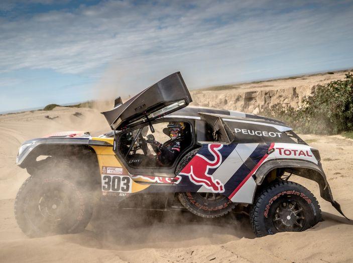 Dakar 2018 – Nuova tripletta delle 3008DKR Maxi nella tappa 4 - Foto 2 di 5