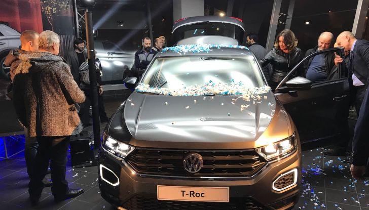 Volkswagen T-Roc 2018 presentato nelle concessionarie - Foto 8 di 15