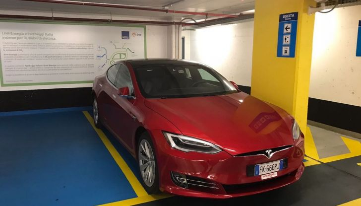 Tesla Model S MY 2019: l'autonomia sale fino a 610 km - Foto 8 di 15