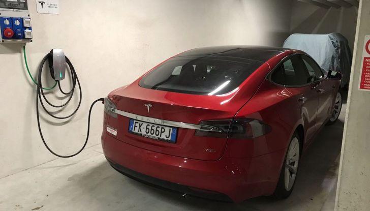 Tesla Model S MY 2019: l'autonomia sale fino a 610 km - Foto 9 di 15
