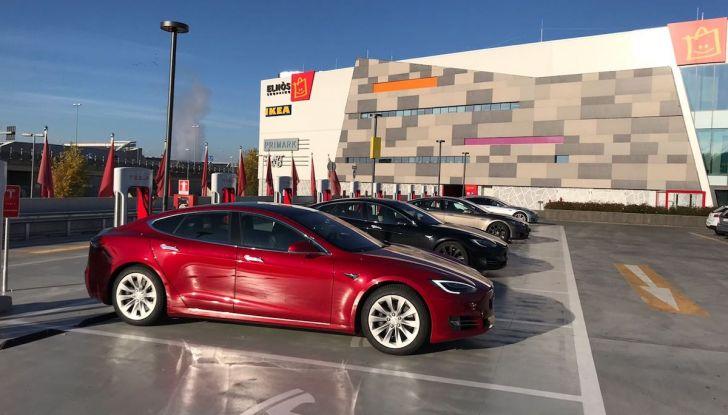 Tesla Model S MY 2019: l'autonomia sale fino a 610 km - Foto 10 di 15