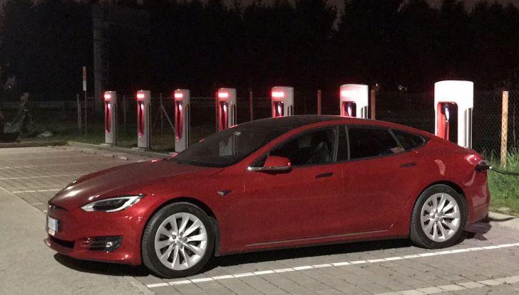 Tesla Model S MY 2019: l'autonomia sale fino a 610 km - Foto 13 di 15