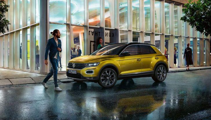 Volkswagen T-Roc 2018 presentato nelle concessionarie - Foto 1 di 15