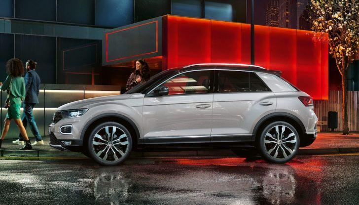 Volkswagen T-Roc 2018 presentato nelle concessionarie - Foto 13 di 15