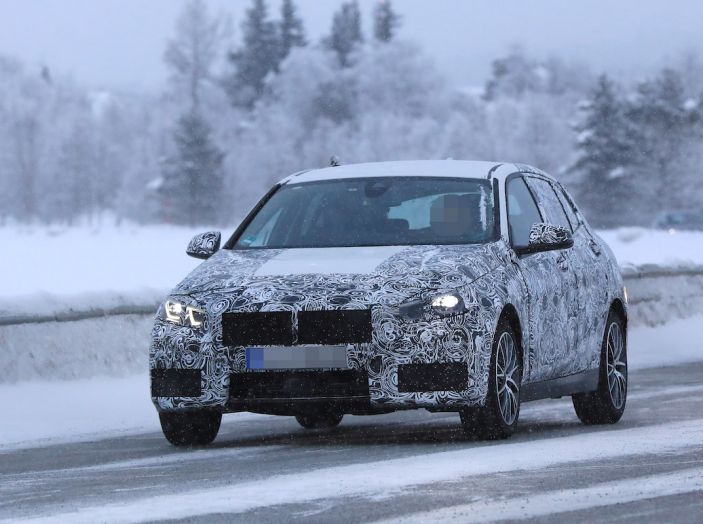 BMW Serie 1 2019: trazione anteriore, design rivisitato - Foto 2 di 10