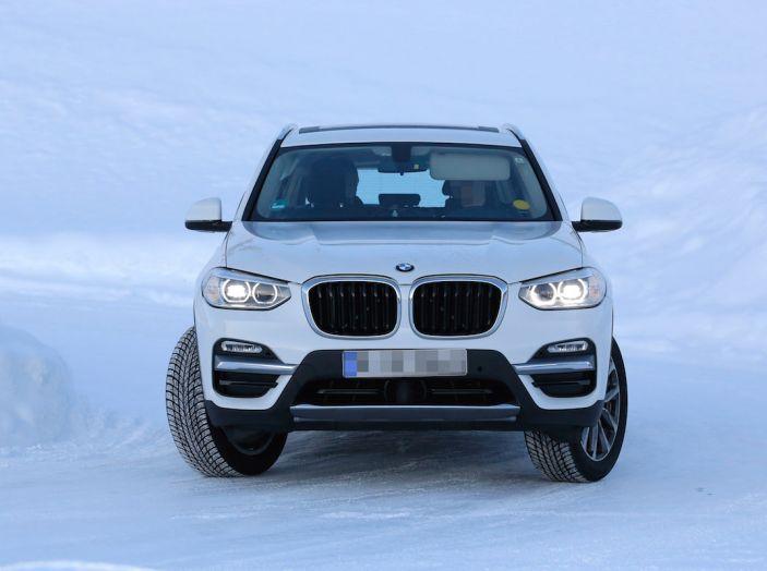 BMW X3 elettrica Plug-in: il SUV dell'Elica pronto alla rivoluzione - Foto 2 di 10