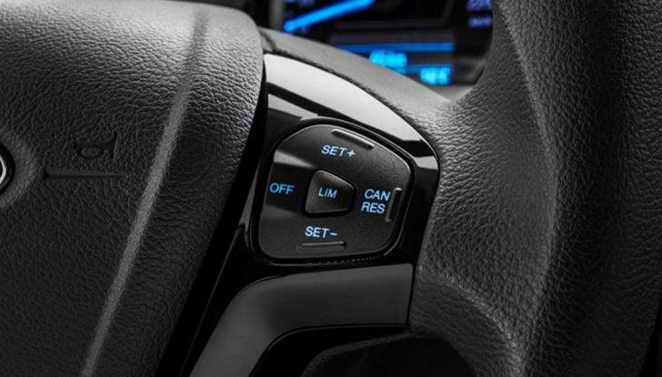 Ford Ka+ Active 2018, la compatta con elementi da crossover - Foto 5 di 16