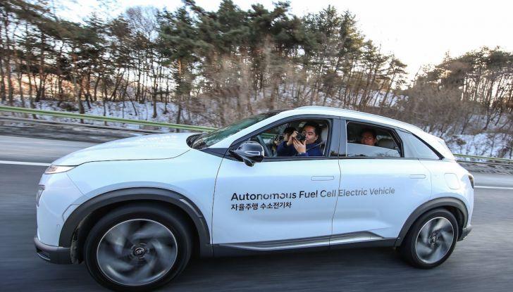 Hyundai Nexo: auto a idrogeno Fuel Cell e a guida autonoma di livello 4 - Foto 3 di 4