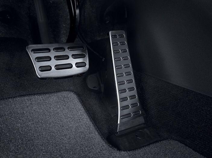 Hyundai Santa Fe 2018, dimensioni e motori del SUV coreano - Foto 38 di 74