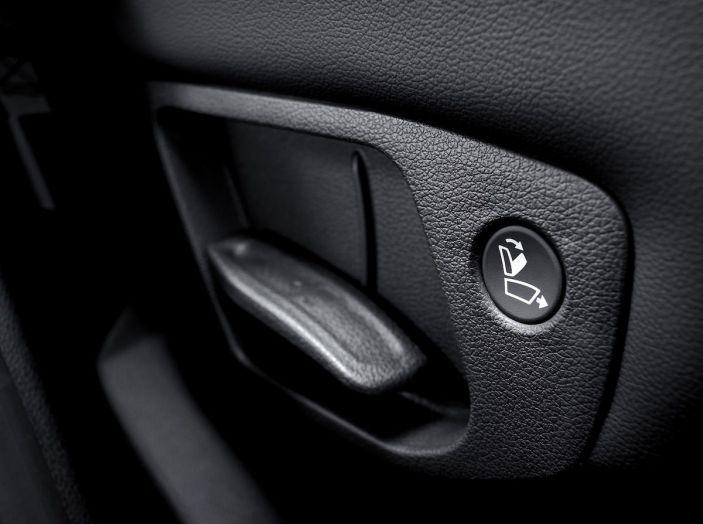 Hyundai Santa Fe 2018, dimensioni e motori del SUV coreano - Foto 51 di 74