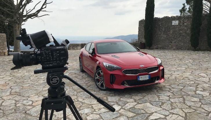 Kia Stinger 2018: prova su strada della GT Made in Korea - Foto 1 di 19