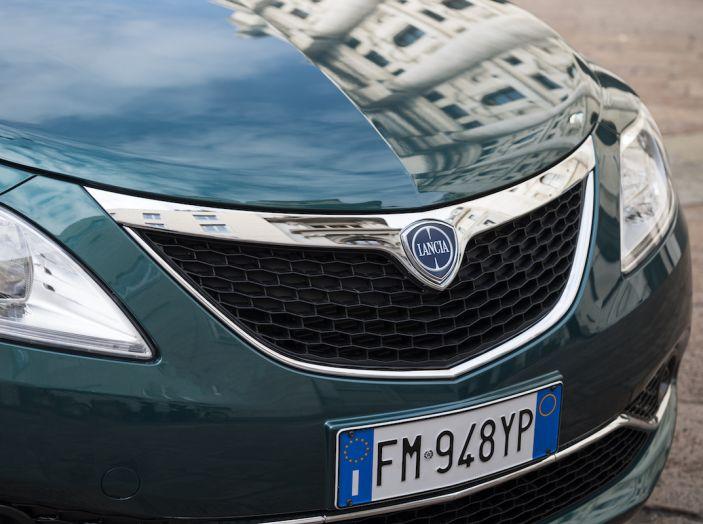 Nuova Lancia Ypsilon 2018: arrivano Elefantino Blu, Gold e Platinum - Foto 12 di 33