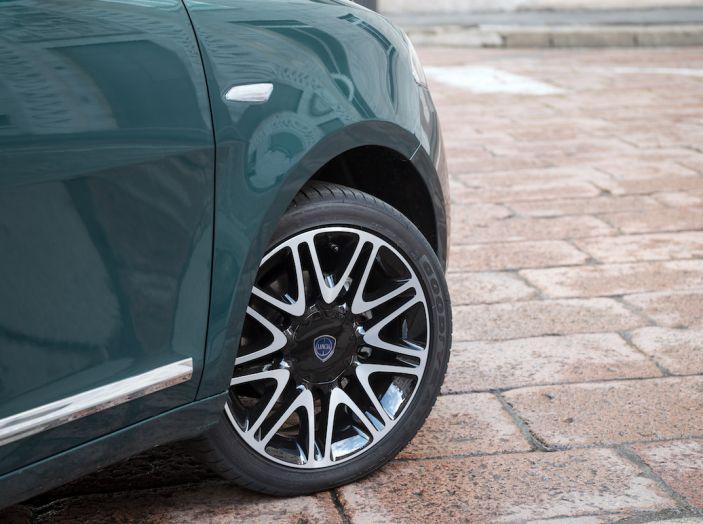 Nuova Lancia Ypsilon 2018: arrivano Elefantino Blu, Gold e Platinum - Foto 15 di 33