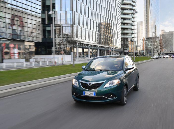 Nuova Lancia Ypsilon 2018: arrivano Elefantino Blu, Gold e Platinum - Foto 16 di 33