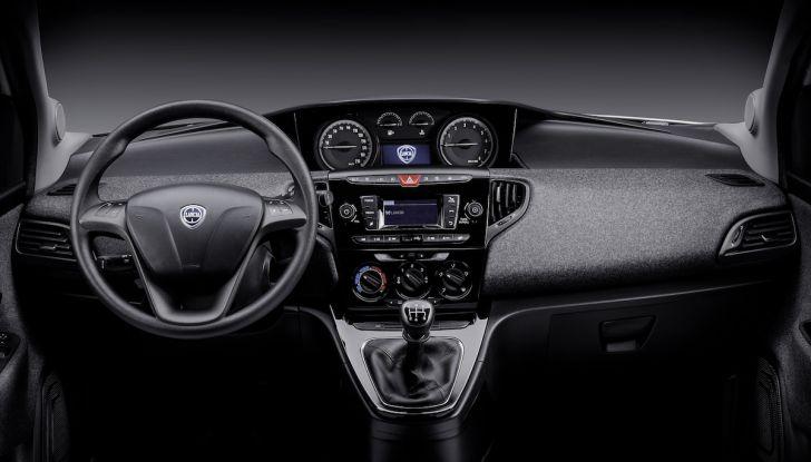 Nuova Lancia Ypsilon 2018: arrivano Elefantino Blu, Gold e Platinum - Foto 32 di 33