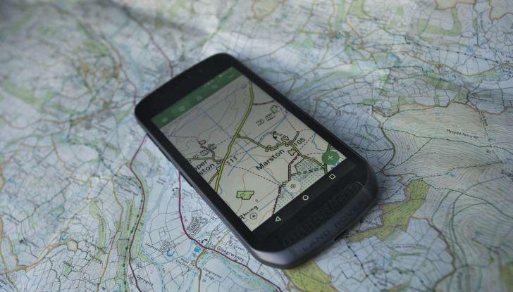 Land Rover Explorer Smartphone: caratteristiche tecniche - Foto 1 di 13
