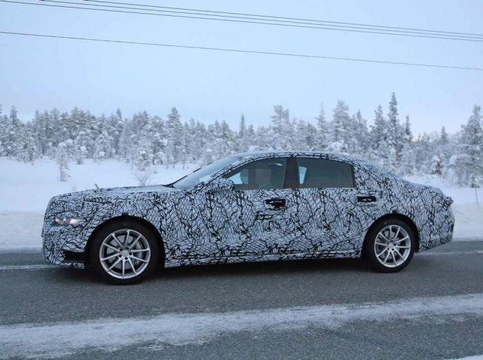 Mercedes Classe S, la nuova generazione impegnata nei test drive - Foto 15 di 17
