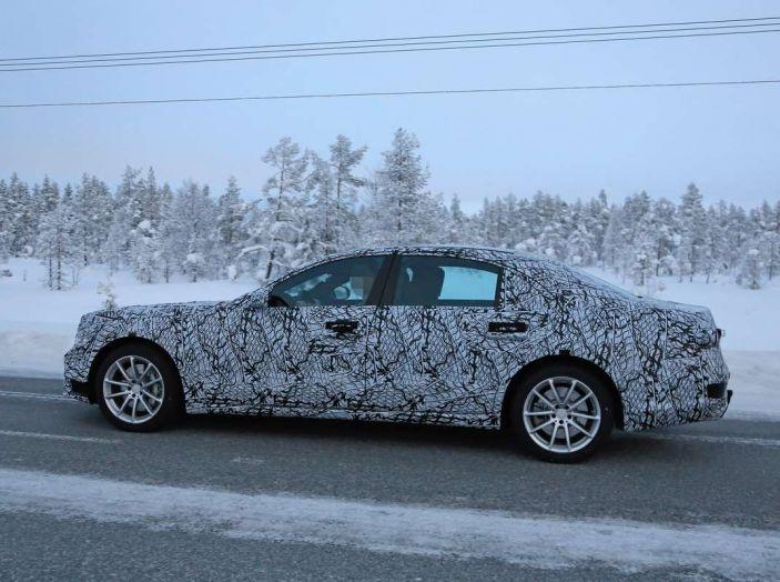Mercedes Classe S, la nuova generazione impegnata nei test drive - Foto 6 di 17