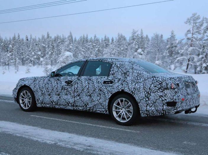 Mercedes Classe S, la nuova generazione impegnata nei test drive - Foto 16 di 17