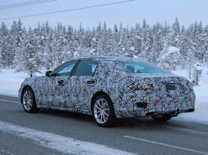 Mercedes Classe S, la nuova generazione impegnata nei test drive - Foto 3 di 17