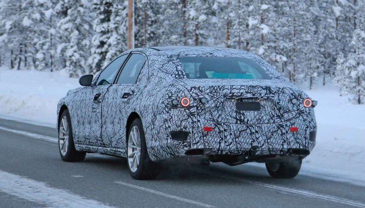 Mercedes Classe S, la nuova generazione impegnata nei test drive - Foto 13 di 17