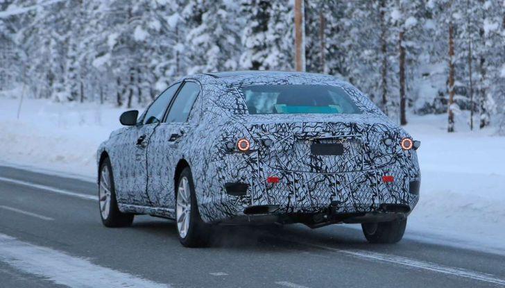 Mercedes Classe S, la nuova generazione impegnata nei test drive - Foto 9 di 17