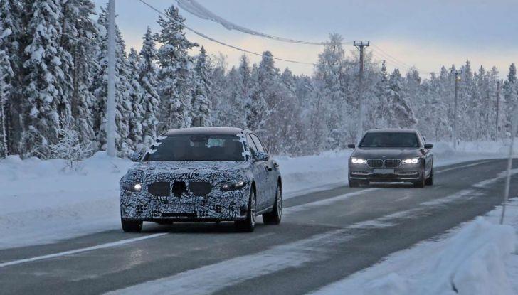 Mercedes Classe S, la nuova generazione impegnata nei test drive - Foto 7 di 17
