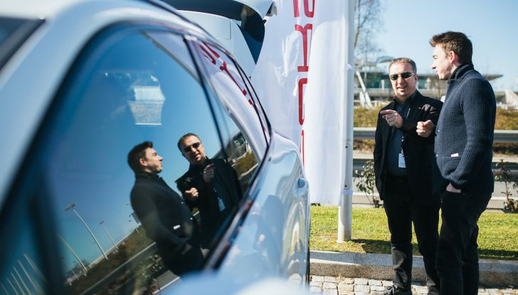 Porsche Cayenne 2018, prova su strada: la terza generazione allo stato dell'arte - Foto 17 di 44