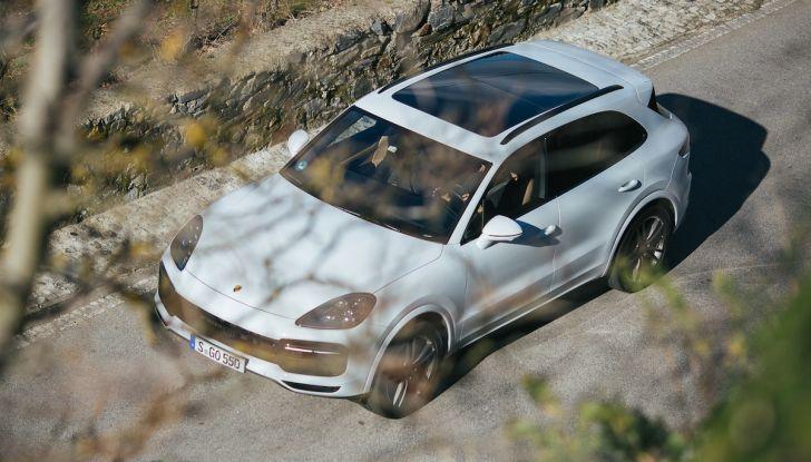 Porsche Cayenne 2018, prova su strada: la terza generazione allo stato dell'arte - Foto 22 di 44