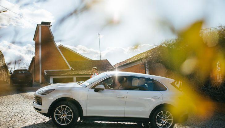 Porsche Cayenne 2018, prova su strada: la terza generazione allo stato dell'arte - Foto 27 di 44