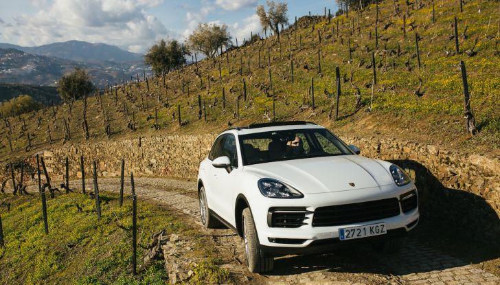 Porsche Cayenne 2018, prova su strada: la terza generazione allo stato dell'arte - Foto 4 di 44