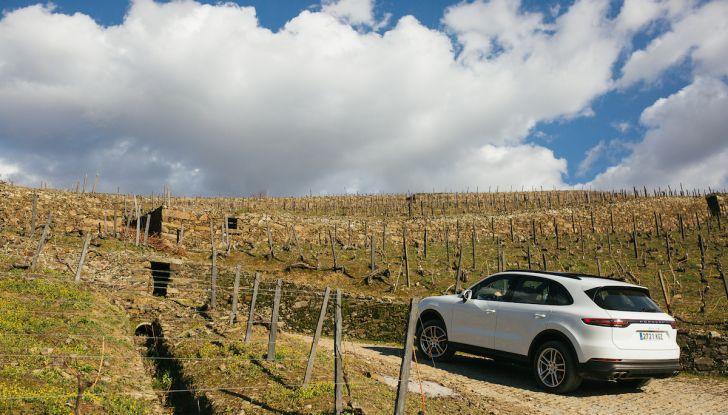 Porsche Cayenne 2018, prova su strada: la terza generazione allo stato dell'arte - Foto 32 di 44