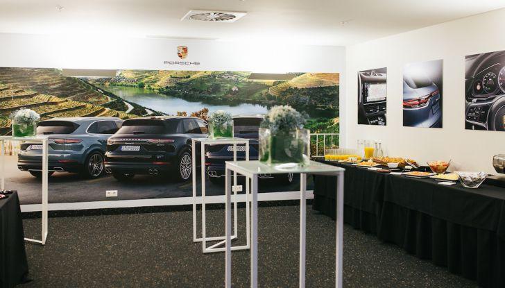 Porsche Cayenne 2018, prova su strada: la terza generazione allo stato dell'arte - Foto 11 di 44