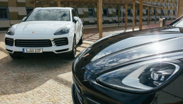 Porsche Cayenne 2018, prova su strada: la terza generazione allo stato dell'arte - Foto 12 di 44