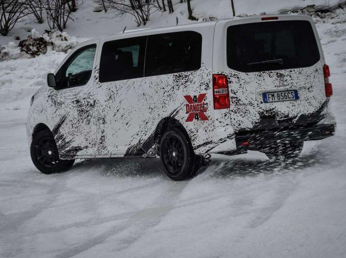 Peugeot Traveller Traction Control, il multispazio con trazione integrale - Foto 3 di 9