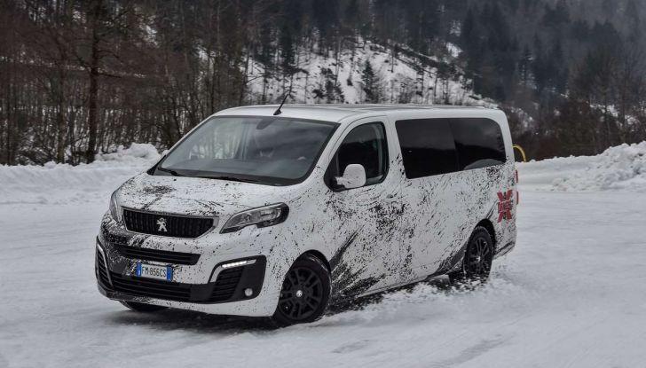 Peugeot Traveller Traction Control, il multispazio con trazione integrale - Foto 1 di 9