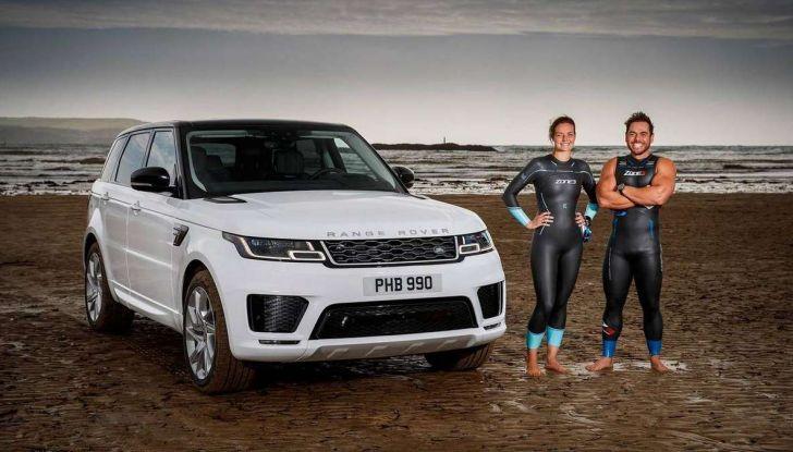 Range Rover Sport PHEV, il SUV ibrido plug-in scala la Porta del Cielo - Foto 3 di 9