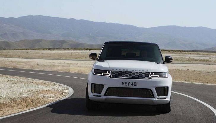 Range Rover Sport PHEV, il SUV ibrido plug-in scala la Porta del Cielo - Foto 6 di 9