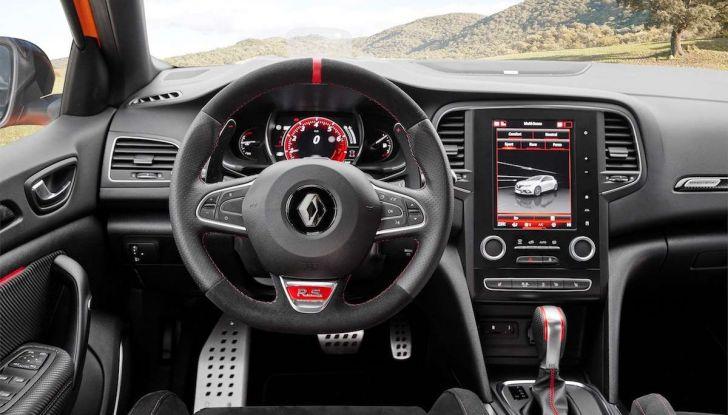 Renult Megane RS 2018: prestazioni e dati tecnici - Foto 13 di 13