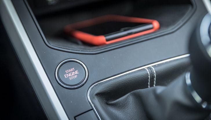 [VIDEO] Prova su strada SEAT Arona, tanta tecnologia in questo SUV compatto - Foto 13 di 37