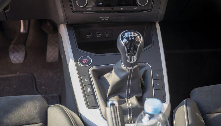 [VIDEO] Prova su strada SEAT Arona, tanta tecnologia in questo SUV compatto - Foto 30 di 37