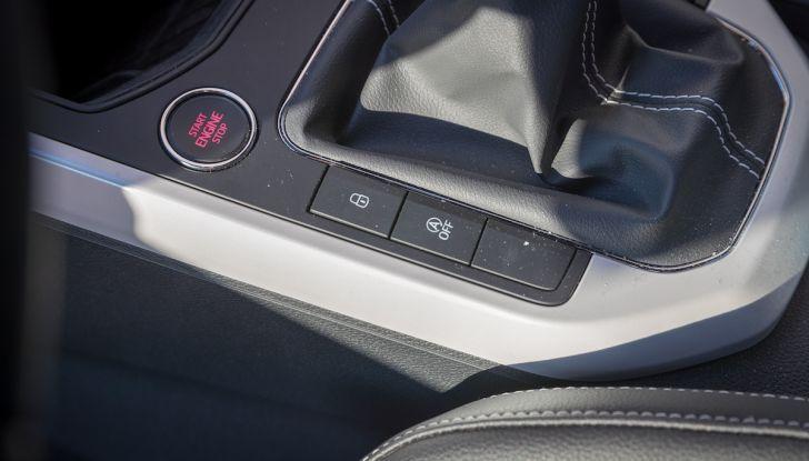 [VIDEO] Prova su strada SEAT Arona, tanta tecnologia in questo SUV compatto - Foto 34 di 37