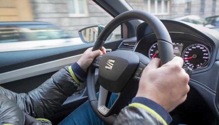 [VIDEO] Prova su strada SEAT Arona, tanta tecnologia in questo SUV compatto - Foto 9 di 37
