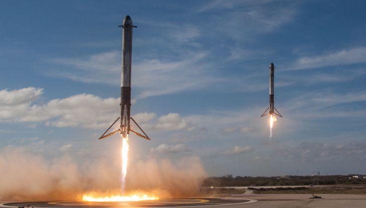 Elon Musk di Tesla, entro un anno ci saranno un milione di vetture autonome - Foto 3 di 14